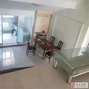 865开元新城3室2厅1卫960元/月阁楼