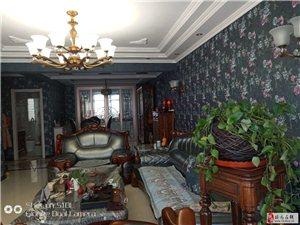 4915龙泉花园1楼165平米豪华装修126万元