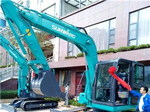 大中小型挖掘机,寻求土石方工程
