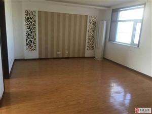 福苑里101平米两室精装修干净出租1500/月