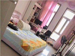 东城花园精装5室2厅2卫245平228万元