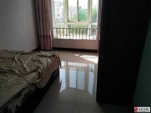 花?#21543;?#21306;楼水电暖齐全带家具可随时租住;