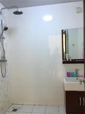 棕榈半岛国际公寓2室1厅1卫2500元/月