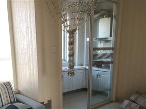 中央华府87平电梯10楼精装床空调沙发等1700