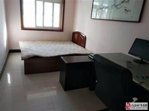 4室2厅2卫1300元/月