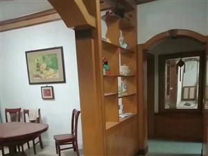 秋收彭厨旁巷子135.6平米三室两厅一卫