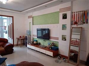 桂花园小区精装大三房3室2厅2卫53.8万元