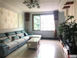 金秀公寓精装错层3室2厅2卫64.8万元