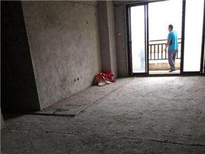 伊比亚3室2厅2卫150万元