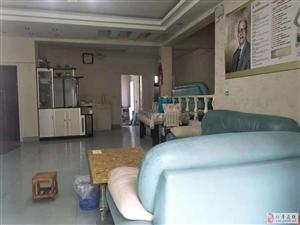 街心花园附近精装错层4室2厅2卫70万元