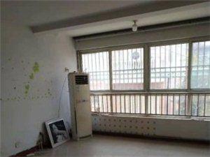 车库+御林苑4室2厅2卫1300元/月