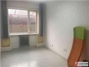 立新小区3室2厅2卫一楼带25平小院137万元