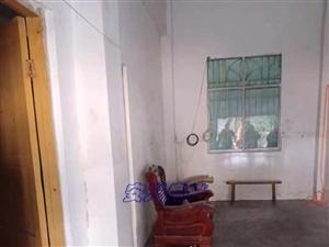 香山中学附近1室1卫400元/月