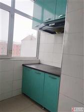 隆吉小区5楼1室简装13.6万元可贷款