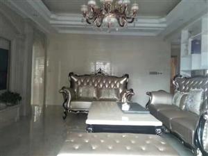 尚学领地豪庭装修4室2厅2卫173万元