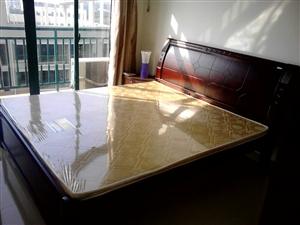 水和园2室1厅1卫2000元/月