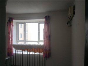 龙津园3室1厅2卫次卧南(个人)
