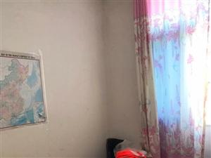 松鹤小区3室3厅1卫57.6万元