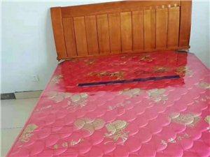 锦湖小区带家具3室2厅1卫833元/月