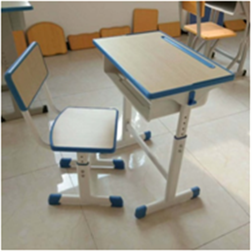 青海世騰出售課桌椅