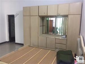 亲水湾小区附近2室2厅2卫带阳台露台1400元/月