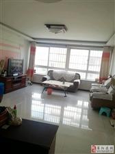 温馨佳苑4楼107平精装带小房3室73.8万元