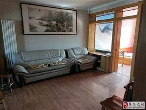 鹤山小区黄金3楼86平3室2厅1卫57万元