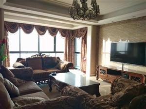 世纪春天豪华装修房3室2厅2卫120万元
