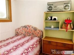 中医院家属楼3室2厅1卫1200元/月