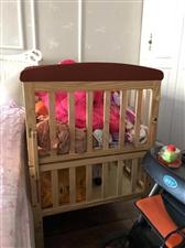 全新婴儿床