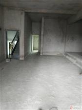 五岳广场楼梯房清水四室两卫36.8万证件齐全