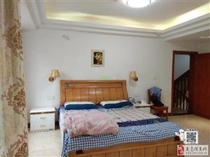(精装别墅)龙翔国际5室2厅3卫5600元/月