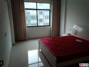 海正明城3室2厅2卫2000元/月