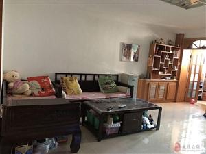 体育场小区中层两居室环境舒适