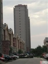 双湖贵苑3室78万元电梯7楼送储车位
