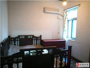 和平菜市场低价出租3室2厅1卫750元/月