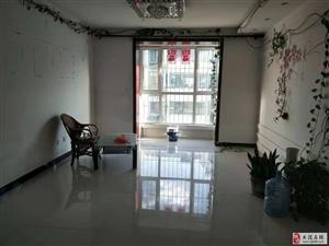 凯旋苑4楼精装修小错层108平米通厅落地窗