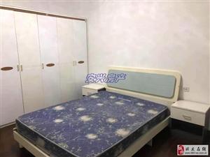 花果苑4室2厅2卫1500元/月