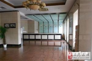 华苑大厦办公房招租178平米12600元新装修现房