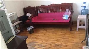 五方里3室1厅1卫900元/月