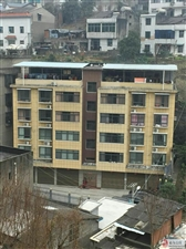 长阳向王街13号(矿山机械厂内500米)单元楼一套两室一厅住房出租!