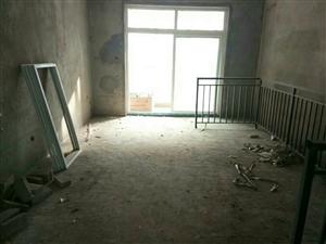 世纪豪庭3室2厅2卫66万元