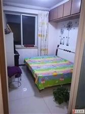 荣鑫小区2室1厅26万元4楼