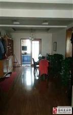 五一小区3室2厅2卫2100元/月