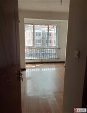 悦泽苑高档住宅区,3居室好楼层,南北通透随时看房