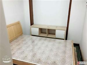 百家湖花园罗马城小区3室1厅1卫800元/月