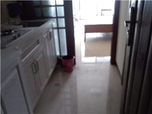 伊比亚天逸1室0厅1卫可以短租1500元/月