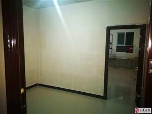 2室1厅1卫5800元/年