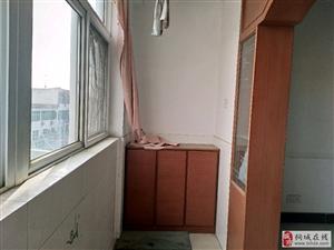 建银小区,经典三室,户型大气,南北通透,带储藏室