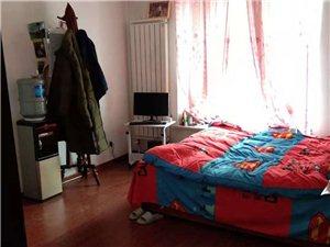 福锦园1楼两室中等装修家电齐全1600元